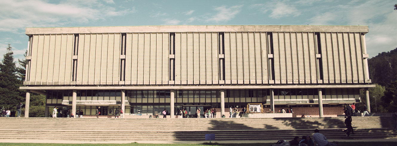 foto fachada biblioteca central