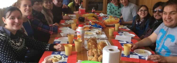 Celebración alumnos Artiuc fiestas patrias